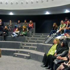 Escuchando a Carmen Posadas. Alicante, 2012.