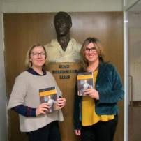 Donación de dos ejemplares de mujeres en la historia. La Ilustración